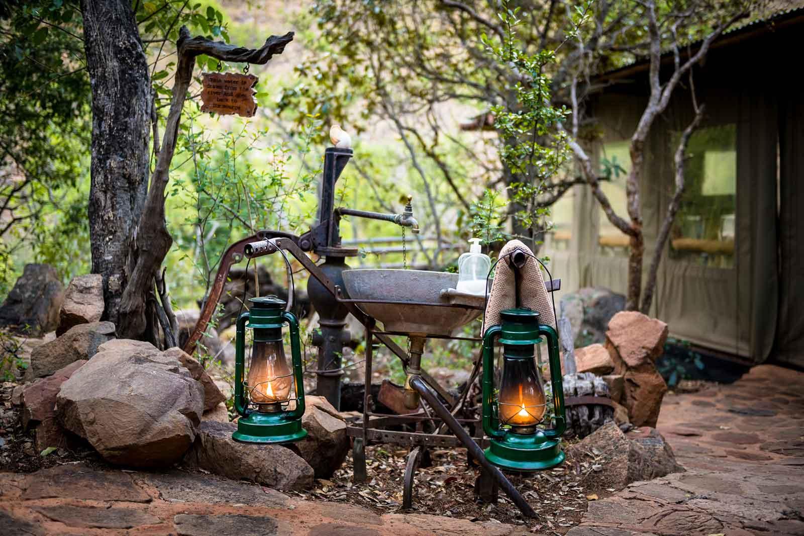 4d-camp-lanterns